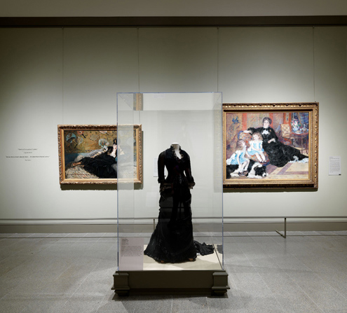 gallery 4 black dress