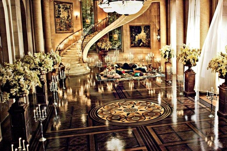 item1.size.0.0.great-gatsby-movie-set-design-02-gatsby-mansion-ballroom