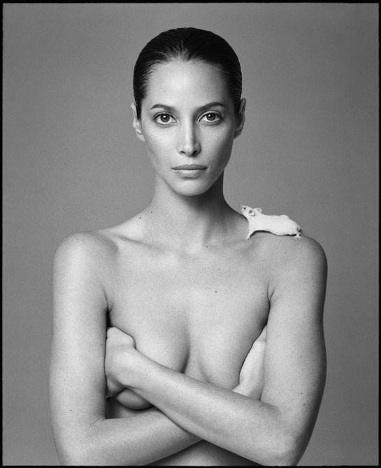 l_exposition_patrick_demarchelier__desire__a_galerie_kate_moss_christy_turlington_gisele_bundchen_561371596_north_545x
