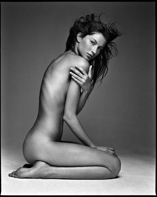 l_exposition_patrick_demarchelier__desire__a_galerie_kate_moss_christy_turlington_gisele_bundchen__754946953_north_545x