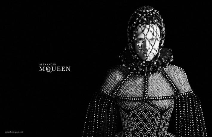 alexander-mcqueen-winter-2014-4
