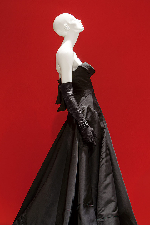 THE LITTLE BLACK DRESS exhibition Riccardo Tisci for Givenchy, F/W 2006 haute couture. photo: SCAD Museum of Art
