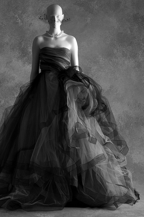 THE LITTLE BLACK DRESS exhibition Oscar De La Renta ,F/W 2012 photo SCAD Museum of Art