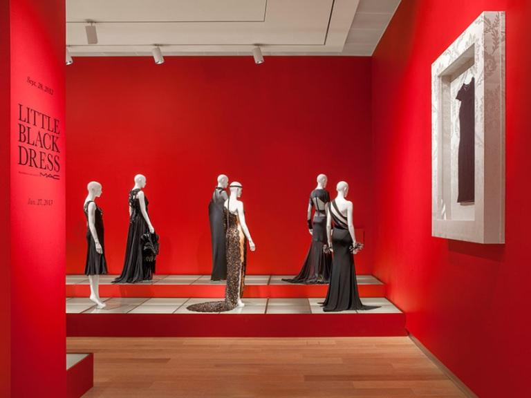 THE LITTLE BLACK DRESS exhibition