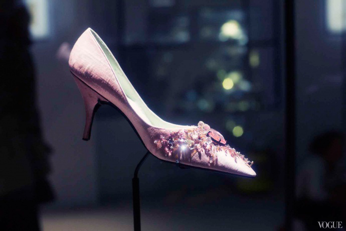 e2809cvirgule-etce280a6in-the-footsteps-of-roger-vivier22-exhibition-7