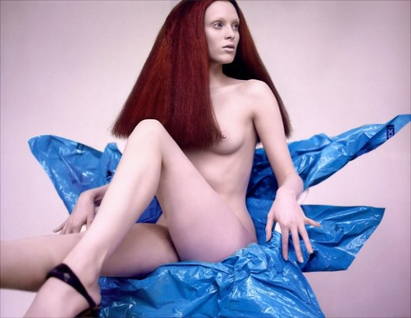karen-elson-by-mert-alas-marcus-piggott-for-pop-magazine-ss-2005-13