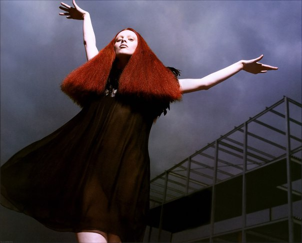 karen-elson-by-mert-alas-marcus-piggott-for-pop-magazine-ss-2005-16