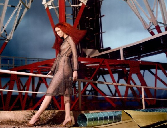 karen-elson-by-mert-alas-marcus-piggott-for-pop-magazine-ss-2005-5