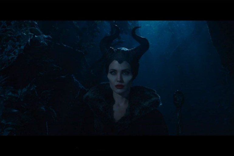 maleficent-grab-vogue-13nov13-5-b_1080x720