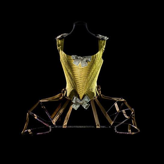 ps____baleines__vers_1740_1760_paris__les_arts_d__coratifs__collection_mode_et_textile_et_d__p__t_du_mus__e_de_cluny_____patricia_canino_2183_north_545x