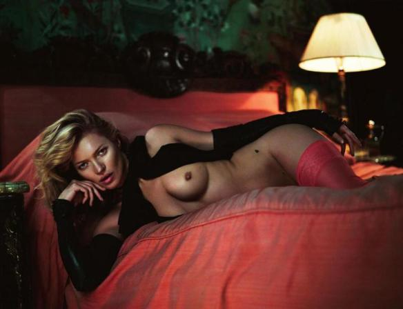 kate-moss-by-mert-alas-marcus-piggott-for-playboy-us-january-february-2014-5