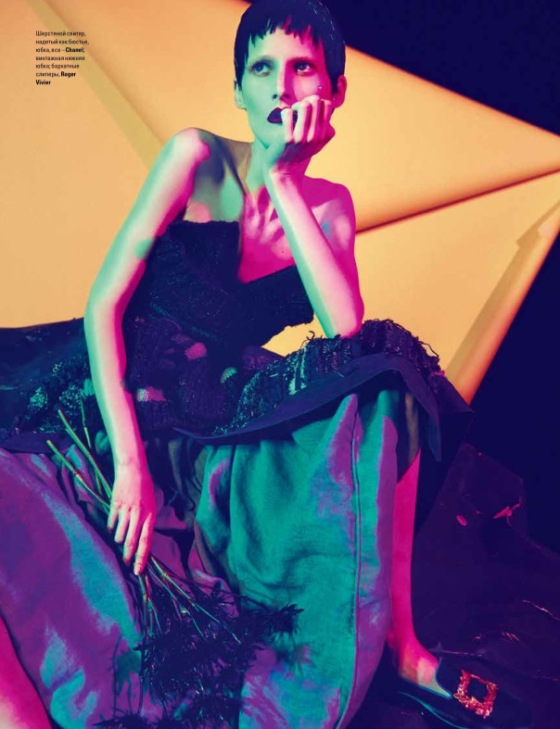 marie-piovesan-by-sofia-sanchez-mauro-mongiello-for-vogue-ukraine-december-2013-2