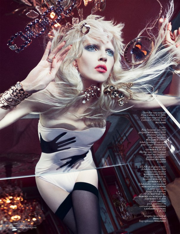 ola-rudnicka-by-boe-marion-for-vogue-netherlands-march-2014-4