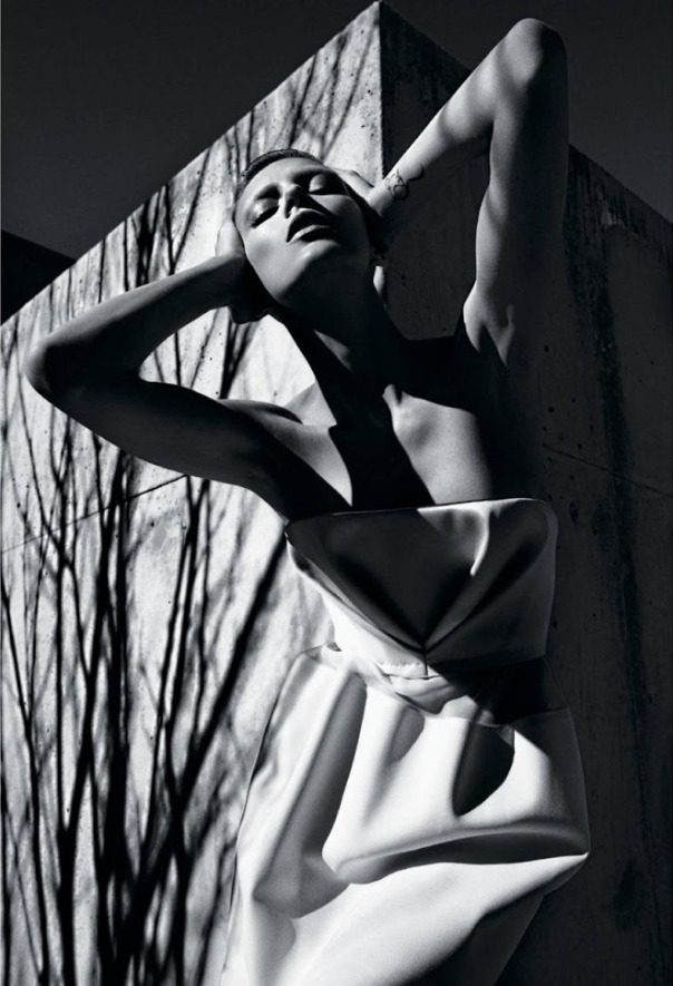 anja-rubik-by-mario-sorrenti-for-the-new-york-times-style-magazine-spring-2013-7