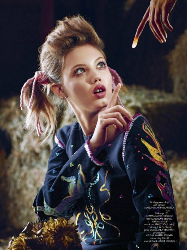 lindsey-wixson-magda-laguinge-by-sebastian-faena-for-cr-fashion-book-4-spring-summer-2014-1