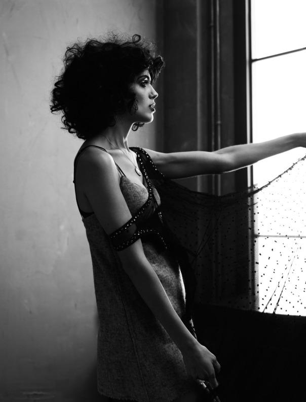 gabriel-marques-amanda-wellsh-by-gregory-harris-for-dazed-magazine-summer-2014-9
