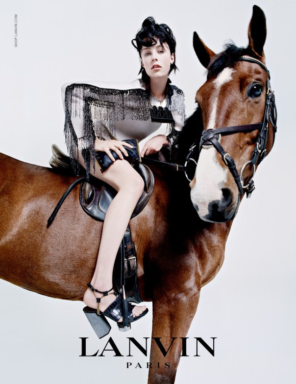 edie-campbell-olympia-campbell-sophie-hicks-roddy-campbell-by-tim-walker-for-lanvin-fall-winter-2014-2015-1