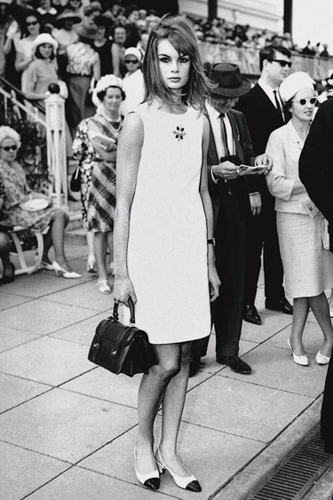 Model Jean Shrimpton wearing a miniskirt at the annual Melbourne Derby Day, 1965
