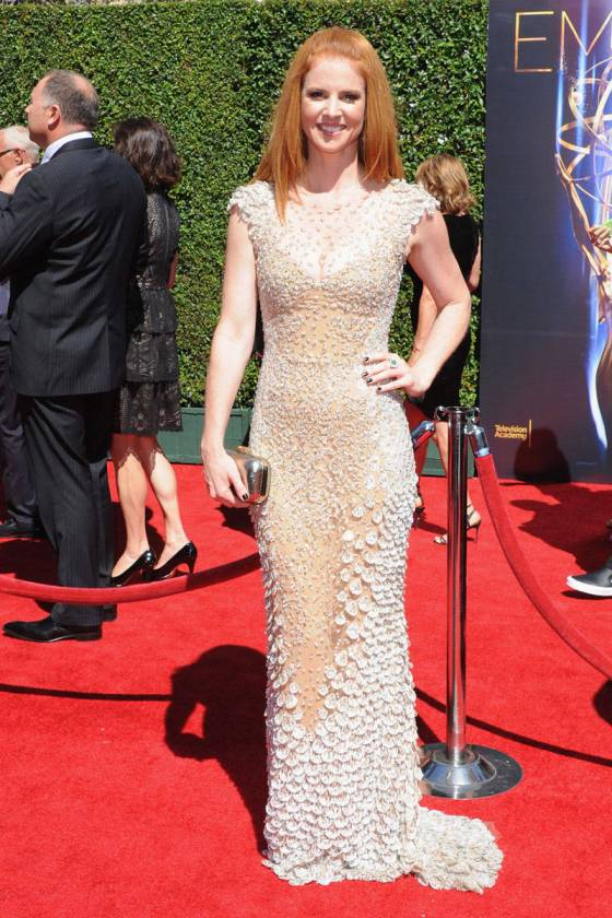 elle-12-sarah-rafferty-v-xln