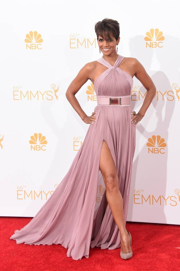 emmy-awards-emmys-2014-halle-barry-red-carpet__width_580