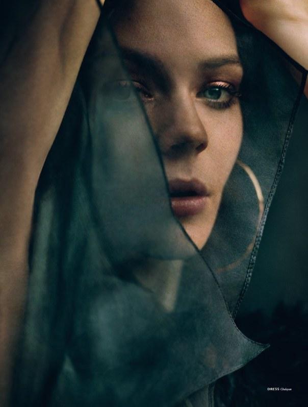kinga-rajzak-by-rory-payne-for-dansk-magazine-fall-winter-2014-4