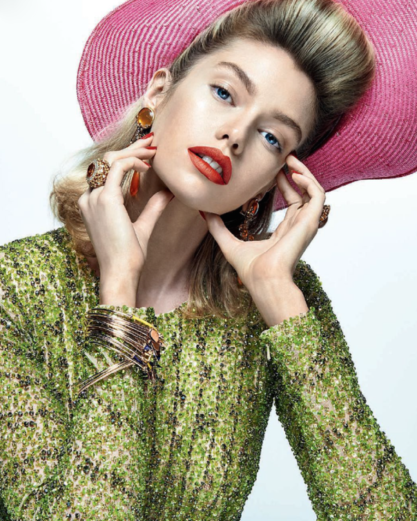 stella-maxwell-by-zee-nunes-for-vogue-brazil-august-2014-1