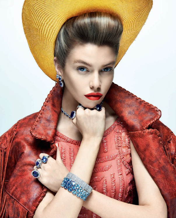 stella-maxwell-by-zee-nunes-for-vogue-brazil-august-2014-3