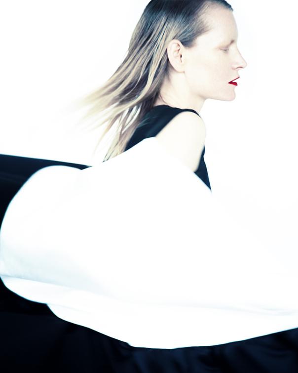 kirsten-owen-by-erik-madigan-heck-for-muse-magazine-32-fall-2014-9