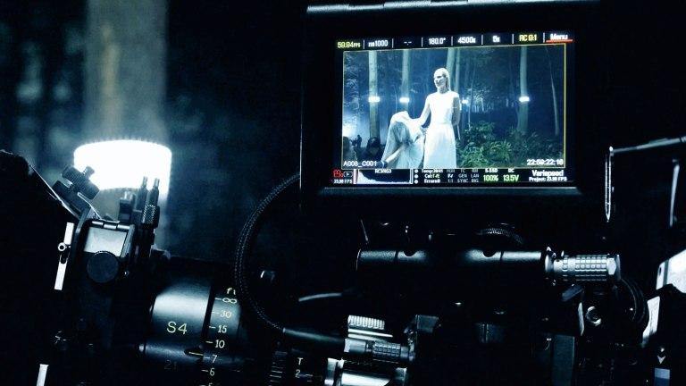 S15SR_FashionShow_Movie_BTS_023_sRGB_03
