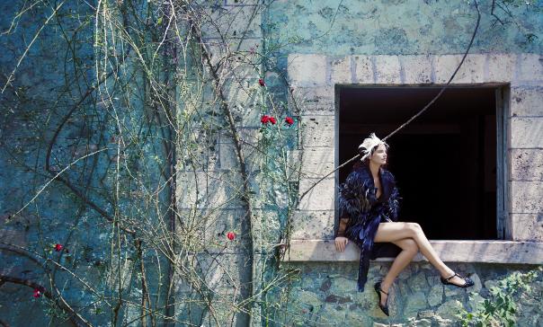 ava-smith-by-erik-madigan-heck-for-porter-magazine-5-winter-2014-5