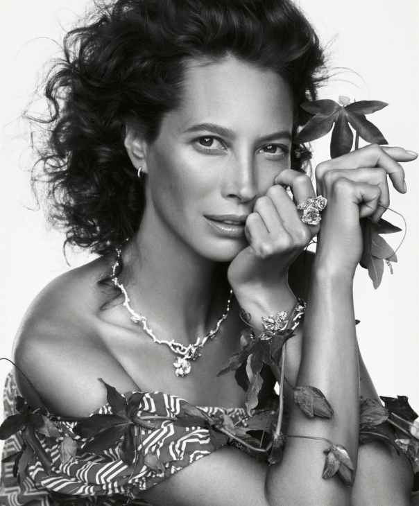 christy-turlington-by-inez-van-lamsweerde-vinoodh-matadin-for-porter-magazine-5-winter-2014-7