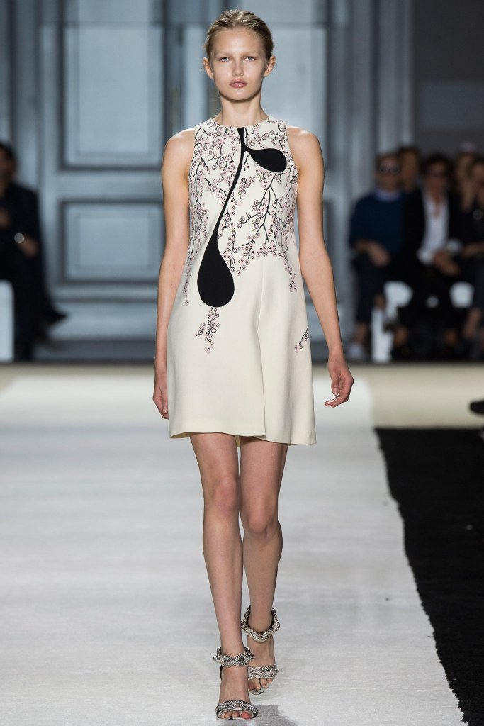Giambattista Valli's Symphony in black&white