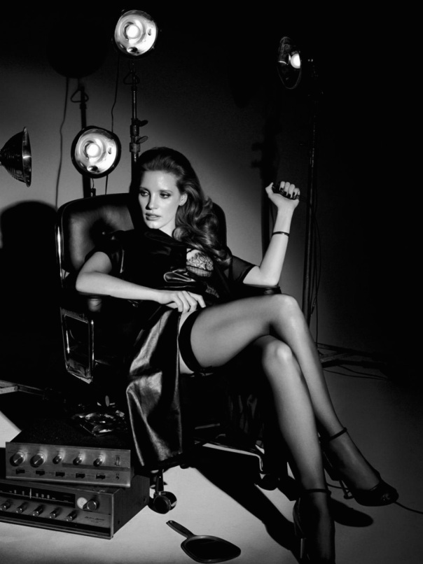 jessica-chastain-by-craig-mcdean-for-interview-magazine-october-2014-6
