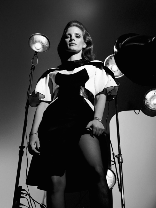 jessica-chastain-by-craig-mcdean-for-interview-magazine-october-2014-8