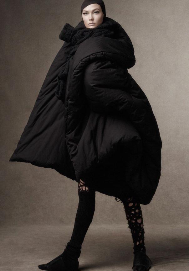 karlie-kloss-sasha-pivovarova-aymeline-valade-coco-rocha-lexi-boling-by-steven-meisel-for-vogue-italia-october-2014-1
