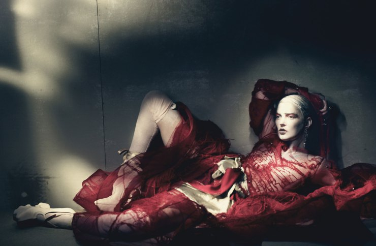 kate-moss-by-paolo-roversi-for-w-magazine-april-2015-2