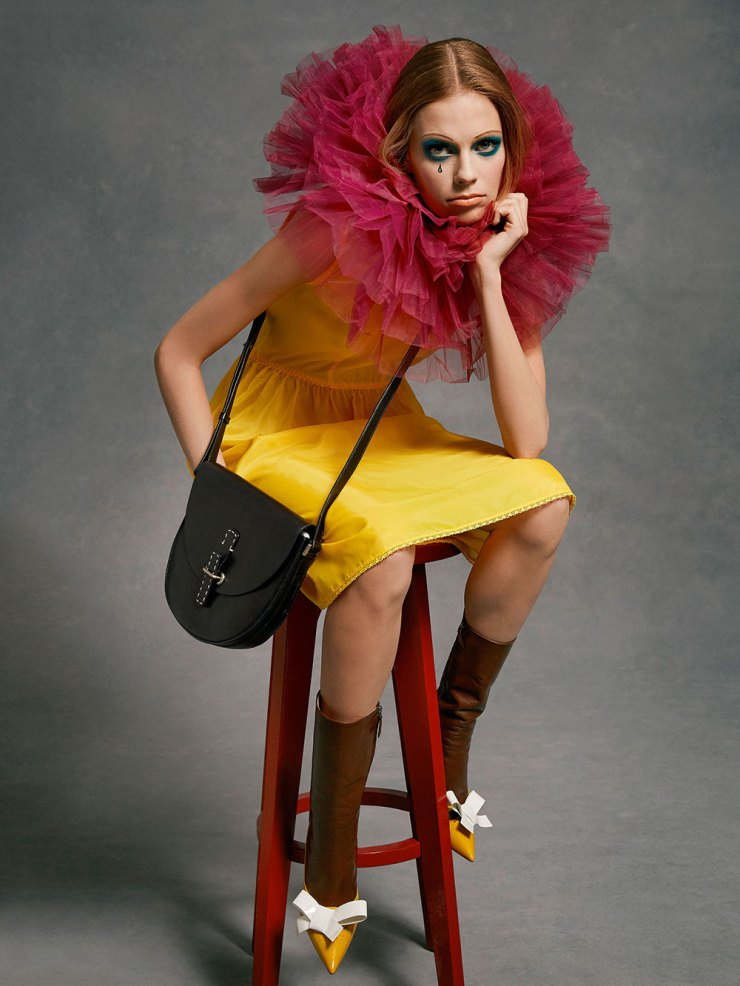 lexi-boling-by-roe-ethridge-for-v-magazine-94-spring-2015-4