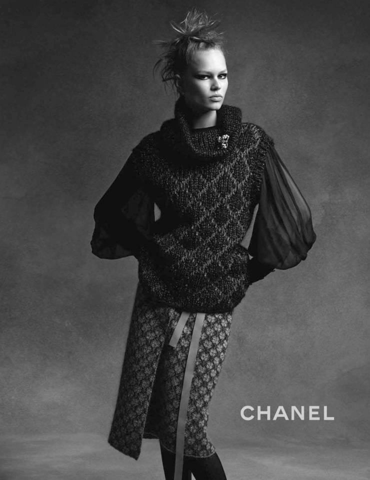 anna-ewers-lindsey-wixson-by-karl-lagerfeld-for-chanel-fall-winter-2015-2016-3