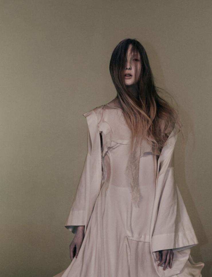 YOHJI-YAMAMOTO-david-sims-for-love-magazine-14-fall-winter-2015-13