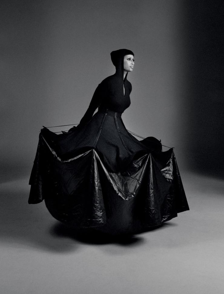 YOHJI-YAMAMOTO-david-sims-for-love-magazine-14-fall-winter-2015-20