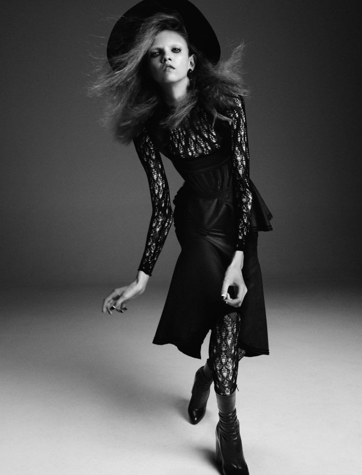 molly-bair-suki-waterhouse-by-yvan-fabing-for-garage-magazine-fall-winter-2015-1