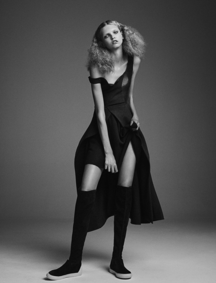 molly-bair-suki-waterhouse-by-yvan-fabing-for-garage-magazine-fall-winter-2015-14
