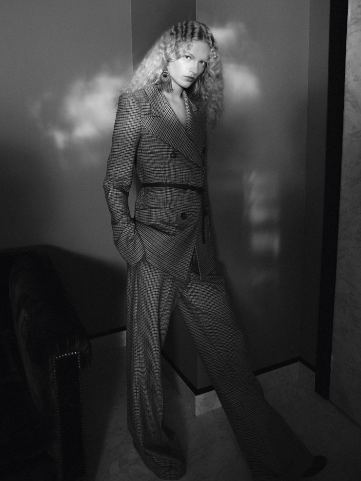 andreea-diaconu-frederikke-sofie-by-david-sims-for-vogue-paris-november-2015-2