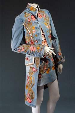 Denim_Fashion-s_Frontier-2003.45.2_20050426_01-375