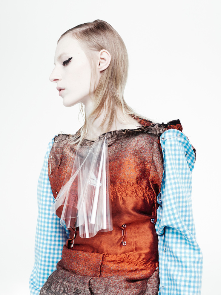 julia-nobis-by-willy-vanderperre-for-document-journal-fallwinter-2015-14