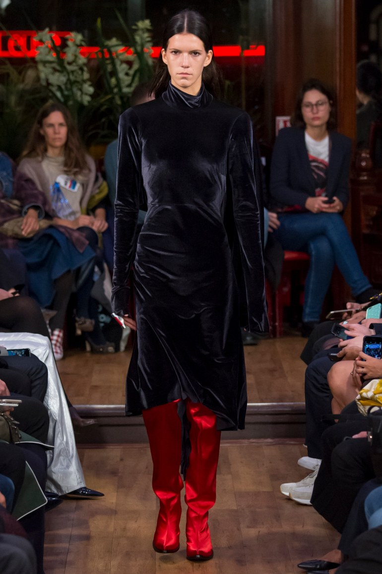 SPRING 2016 READY-TO-WEAR vetements