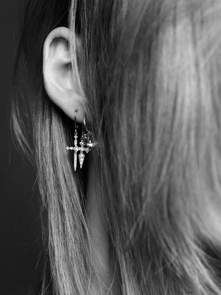 CR_EarringsCarine_AlexandraUtzmann-08
