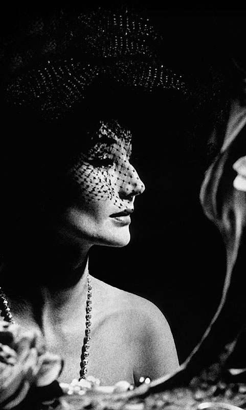 Jacqueline de Ribes, 1961 Photograph attributed to Raymundo de Larrain