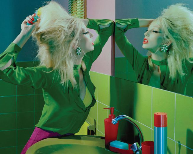 lili-sumner-by-miles-aldridge-for-numc3a9ro-168-november-2015 - Copy