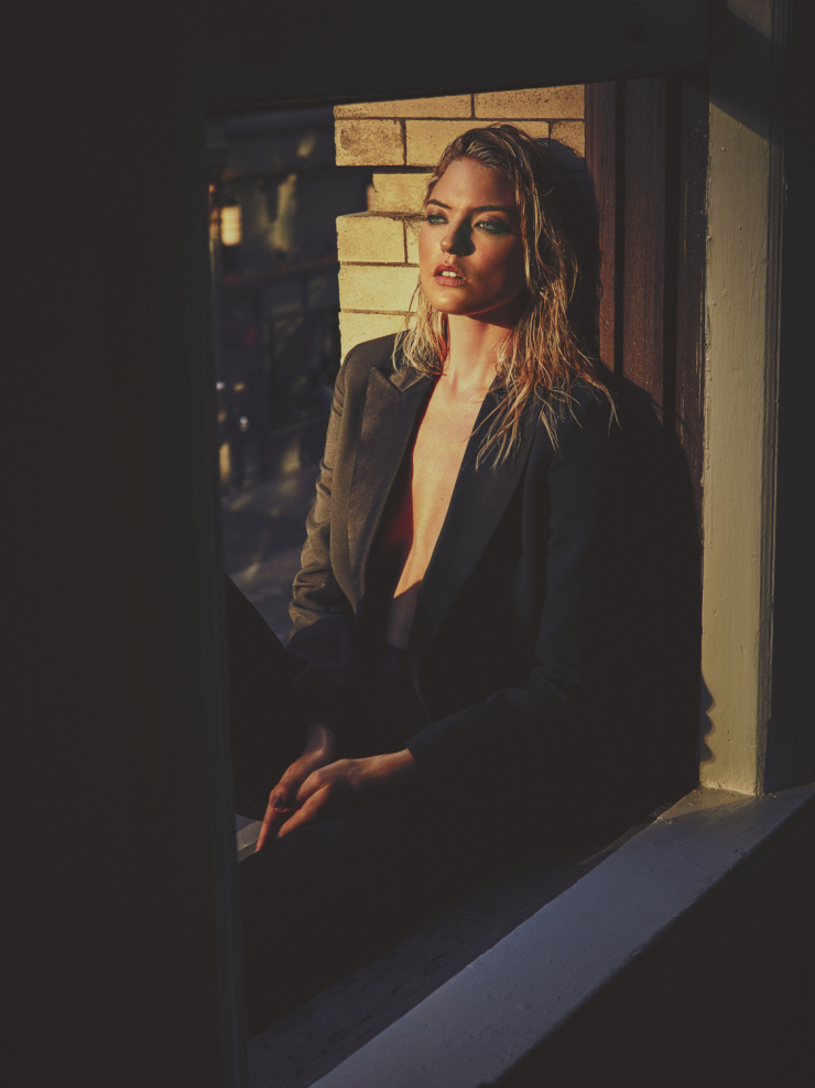 martha-hunt-by-guy-aroch-for-so-it-goes-magazine-fall-winter-2015-6